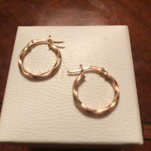 💕😍14k rose gold hoops 🌹